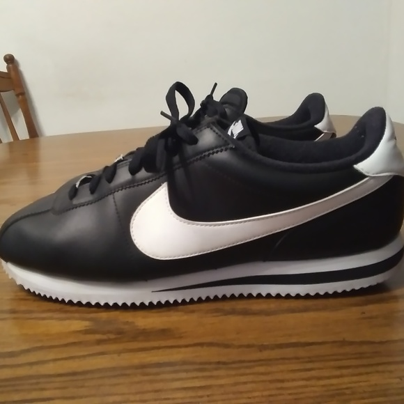 Nike Shoes   Cortez Leather Black Size